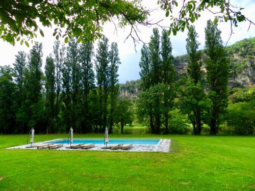 Par la Riviere : Bed and Breakfast near Cénac-et-Saint-Julien