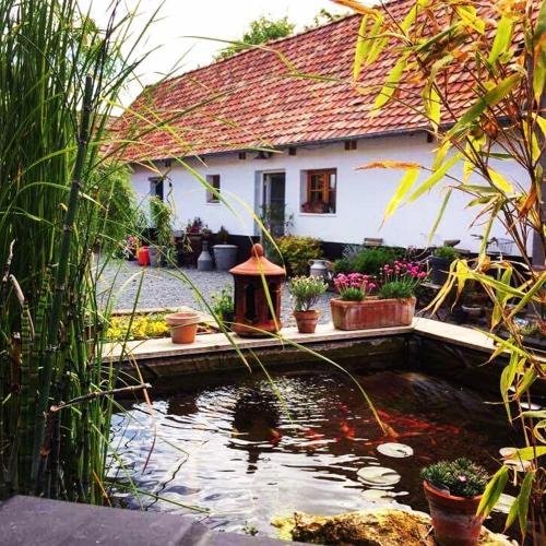 La Ferme de Mademoiselle Jeanne : Guest accommodation near Aigneville