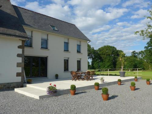 Maison de Luciné : Guest accommodation near Lanrigan