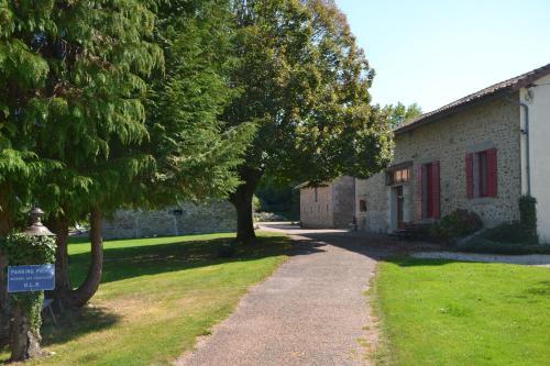 La Lègerie : Bed and Breakfast near Oradour-sur-Vayres