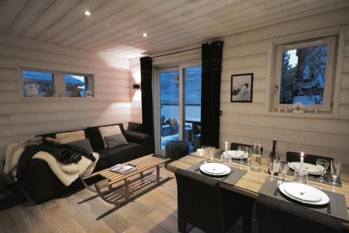 Les Chalets Secrets : Guest accommodation near La Cabanasse