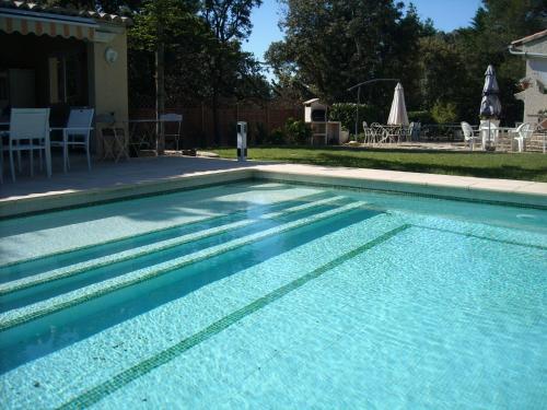 Villa Avec Piscine Privée Au Sel : Guest accommodation near Mornas