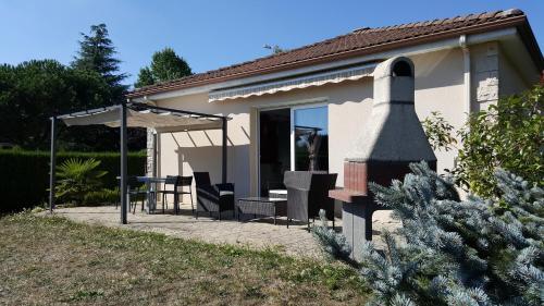 Grande Maison Moderne : Guest accommodation near Chaptelat