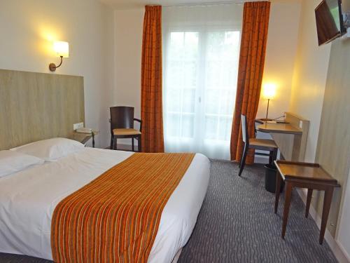 Brit Hotel La Croix Blanche : Hotel near Brech