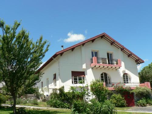 Le Toit Rouge B&B : Bed and Breakfast near Izaux