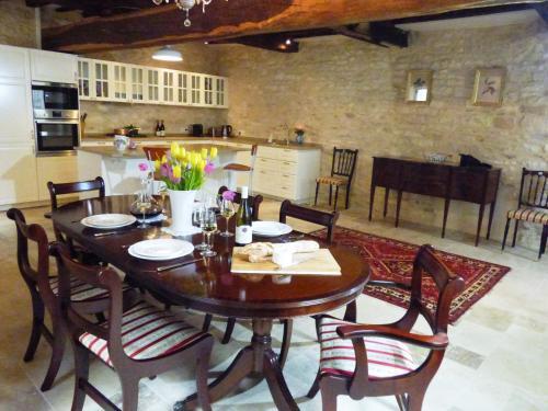 Chez Montrachet : Guest accommodation near Cussy-la-Colonne