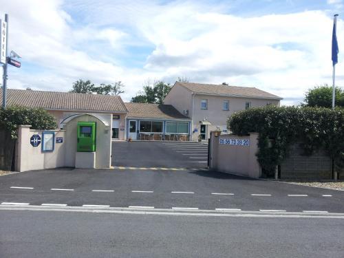 Tour Hôtel : Hotel near Civrac-en-Médoc