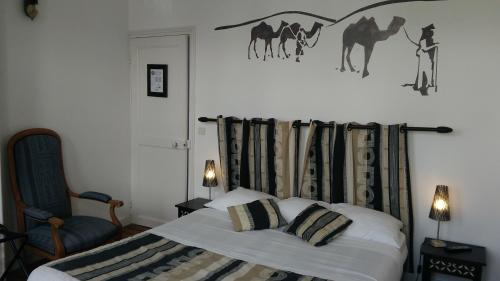 Hotes Thelle : Bed and Breakfast near Ivry-le-Temple
