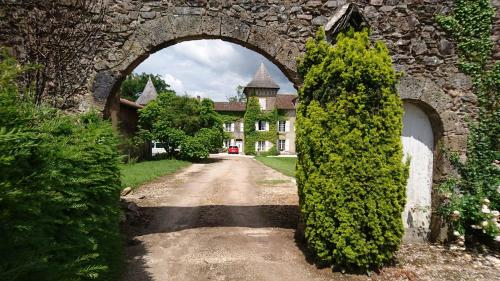 Pierre Deluen Domaine de la Grange de Quaire : Bed and Breakfast near Saint-Bazile