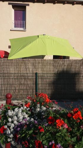 Chambre tout confort : Guest accommodation near Saint-Malon-sur-Mel