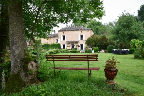 Moulin De Ladausse : Bed and Breakfast near Laussou