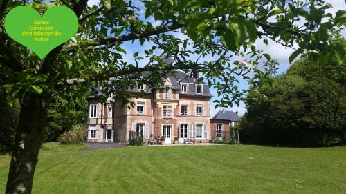 Lisieux Country House : Bed and Breakfast near Le Mesnil-Guillaume