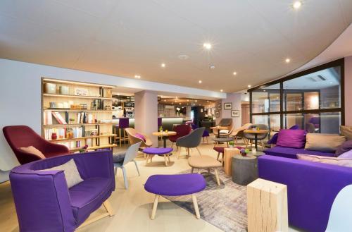 Campanile Paris Ouest - Pont de Suresnes : Hotel near Saint-Cloud