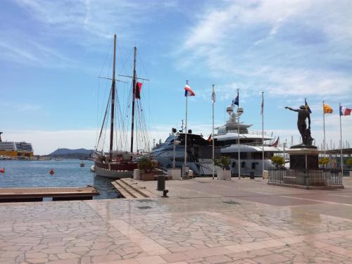 T1 Toulon Opera : Apartment near Toulon