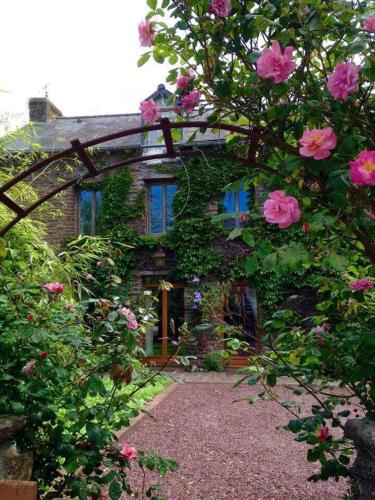 Gite du charme en broceliande : Guest accommodation near Loscouët-sur-Meu