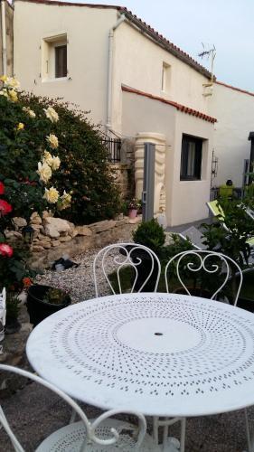 Lysou : Guest accommodation near Villedoux