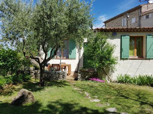 Holiday Home la Place - Le Village : Guest accommodation near Saint-Étienne-les-Orgues