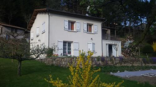 Gite AURIVES : Apartment near Dornas