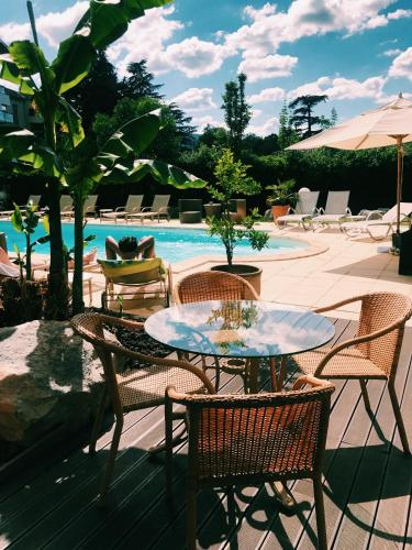 Hotel La Chaumette : Hotel near Pranles
