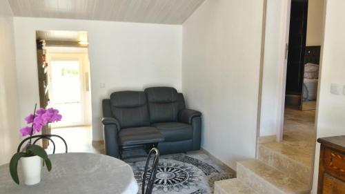T2 indépendant Le Beausset : Apartment near Le Castellet