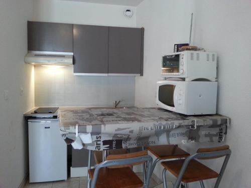Studio Toulon les Halles : Apartment near Le Revest-les-Eaux