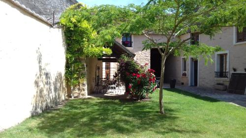 Ilot Bonheur : Bed and Breakfast near La Madeleine-sur-Loing