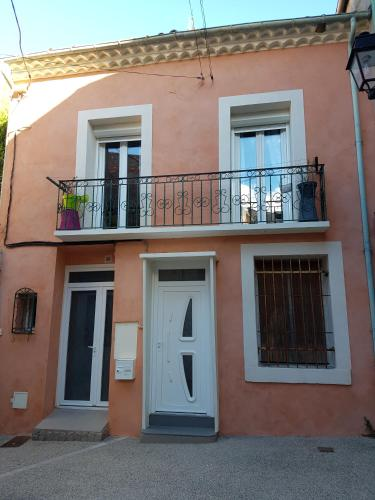 Appartement au coeur du village : Apartment near Bouzigues