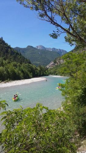 Les Acacias : Guest accommodation near Rochefourchat