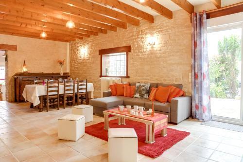 Luckey Homes - Rue du Général Moulin : Guest accommodation near Éterville
