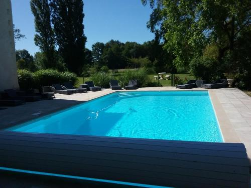 Chateau de Fins : Bed and Breakfast near Varennes-sur-Fouzon