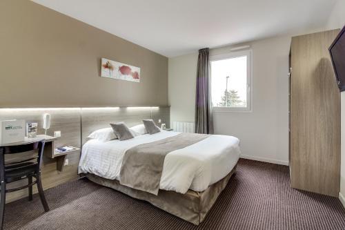 Brit Hotel Du Parc - Fougères : Hotel near Saint-Georges-de-Chesné