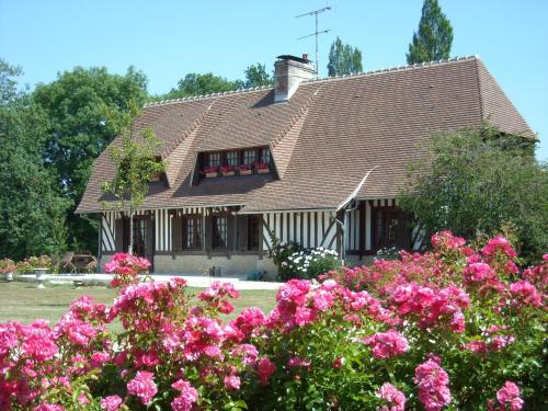Chambre d'hôtes les Charmes : Bed and Breakfast near Branville
