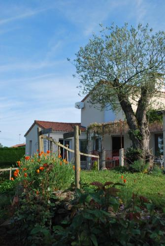 Chambres d'Hotes d'Helene et Jeph : Bed and Breakfast near Saint-Christophe-du-Bois
