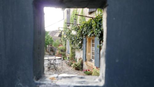Maison Chaumont : Bed and Breakfast near Castelnaud-la-Chapelle