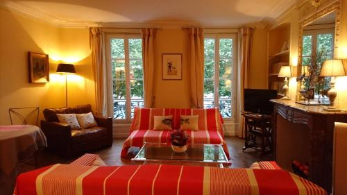 Sur Le Vieux Port Appartement Vue Sur Mer : Apartment near La Rochelle