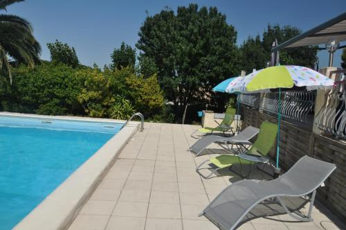 Les 5 Oliviers : Bed and Breakfast near Gabian