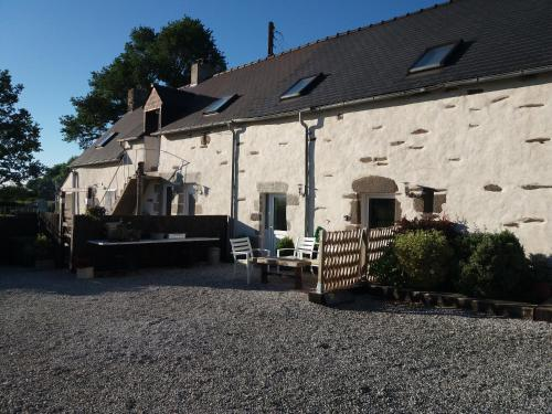 Le Jarrier Chambre D'Hote - B&B : Bed and Breakfast near Champfleur