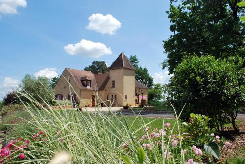 La Maison d'Ici et d'Ailleurs - Les Gîtes : Guest accommodation near Mauzens-et-Miremont