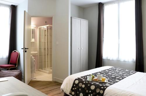 Hotel de la Place : Hotel near Saint-Georges-d'Aunay
