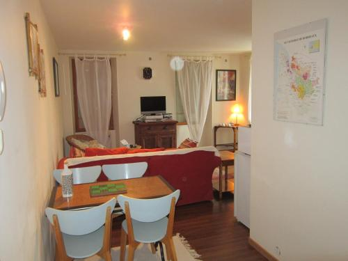 le cosy Apartment : Apartment near Saint-Fort-sur-Gironde
