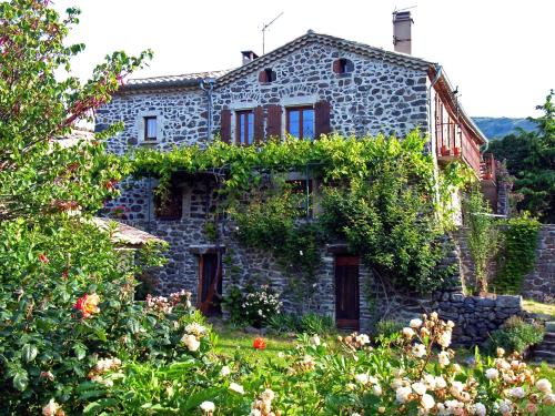 Les Gites du Solitary : Guest accommodation near Darbres