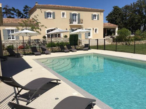 L'OUSTAU DI PARPAIOUN : Guest accommodation near Aureille
