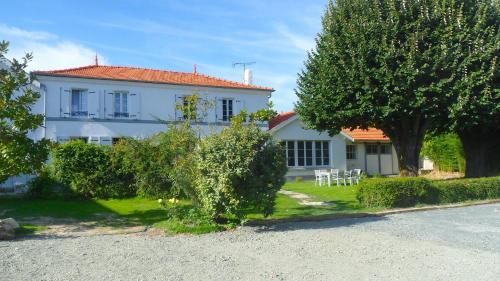 La Maison de Mes Parents : Guest accommodation near Bourgneuf