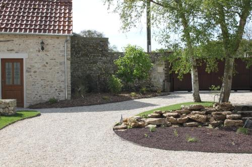 Les Cottages d'Emma : Guest accommodation near Villegats