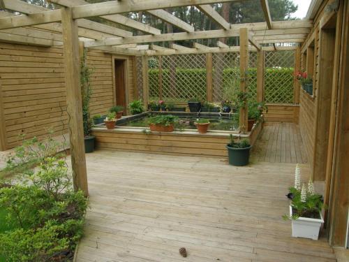 villa en bois avec piscine : Guest accommodation near Soorts-Hossegor