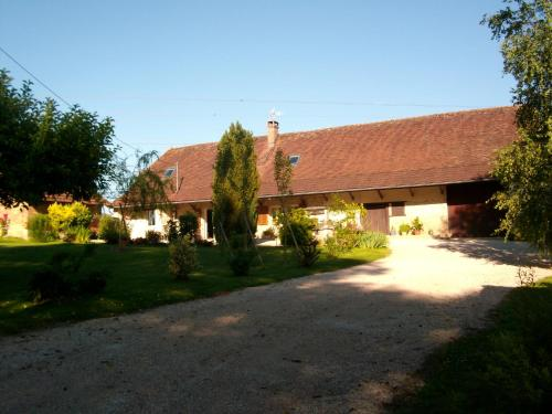 La Maison de Luna : Bed and Breakfast near Courbouzon