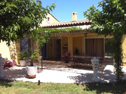 Villa Les Martins 110 : Guest accommodation near Solliès-Pont