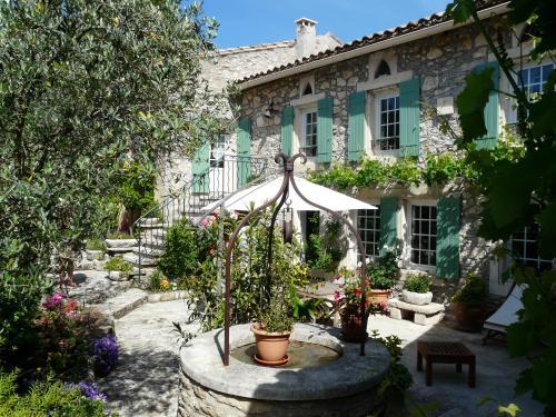 BEN-VENGU : Guest accommodation near Plan-d'Orgon