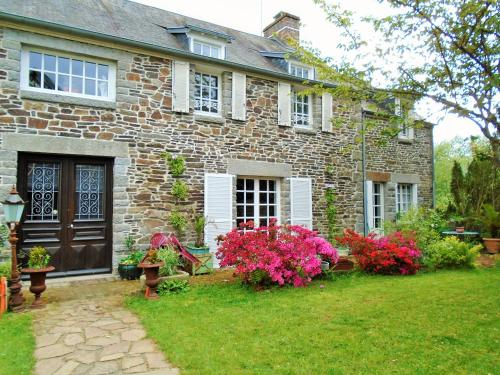Maison des Isles : Bed and Breakfast near Saint-Georges-de-Reintembault