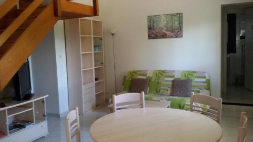 Gîte de la Forêt : Guest accommodation near Saint-Léger-lès-Paray